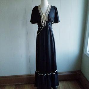 1970s Unlabeled Black, Poly Prairie/Boho Dress